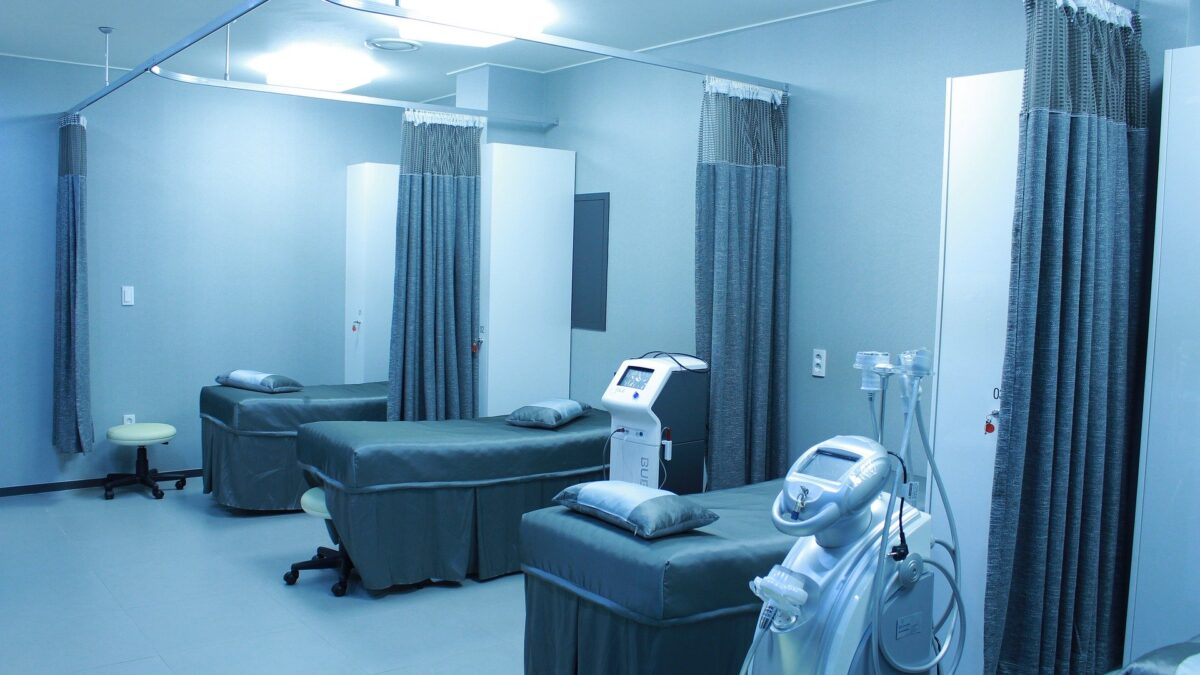 Shutdown of Thirty Eight Military Hospitals in The US: What's Next for Retirees and Families Seeking Treatment
